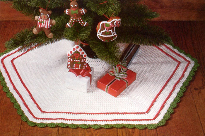 Easy Knitting Pattern For Christmas Tree Skirt : Free crochet pattern for christmas tree skirts